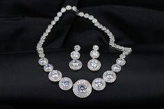 LY-T0095 Elegant Zircon Jewelry Sets for Wedding Silver Finish