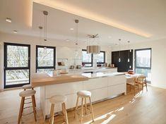 http://ambientdizajn.si/ambient/minimalizem-in-hrastov-les-za-toplo-vzdusje