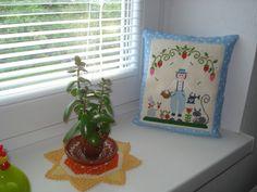 Krížikové vyšívanie Planter Pots, Cross Stitch, Punto De Cruz, Seed Stitch, Cross Stitches, Crossstitch, Punto Croce