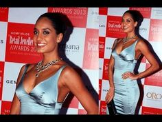 Lisa Haydon in TIGHT SLEEVELESS GOWN at Retail Jeweller India Awards 2013.