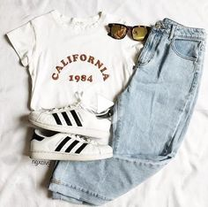 California 1984 Tee # outfit # girl # school # spring # 2019 # casuales # juveniles # young # men # cute # fashion The post California 1984 Tea Le migliori idee di outfit appeared first on Italy Moda. Cute Outfits For School, Cute Casual Outfits, Cute Summer Outfits, Outfits For Teens, Spring Outfits, Summer Outfits For Teen Girls Hipster, Middle School Clothes, Teen Dresses Casual, Cute Highschool Outfits