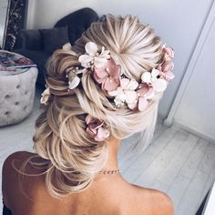100 Gorgeous Wedding Updo Hairstyles That Will Wow Your Big Day - Selecting your bridal hair style is an important part of your wedding planning,Gorgeous wedding updo hairstyles,wedding updos with braids,braided wedding updos,braided bridal hairstyles,Bridal Updos,messy updo Wedding Hairstyles Ideas #weddinghairstyles #weddinghairstyleswithbraids