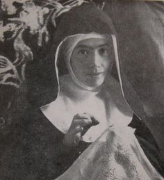 Mystics of the Church: Blessed Elena Aiello -Mystic, Stigmatic & Foundress and AMAZING! I was in tears.
