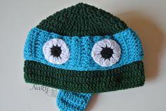 Leonardo iz Nindža kornjača na mojoj kapi :) Radila sam je za jednog petogodišnjeg Mihajla i otputovala je za Beč. Nadam se da će mu se dopasti :) Kapicu možete kupiti u mojoj prodavnici.