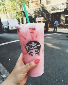 That moment when you discover your new Starbucks obsession has half the calories that you thought it did, and you sip that enormous cup of strawberry paradise with a new found appreciation for heaven on earth. Yassss gurl. #pinkdrink #nowitfitsmymacros