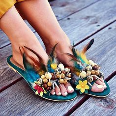 Bohemian sandals are extraordinary approach to focus on a couple of ravishing legs or basically make a design explanation. So search for shoes and shoes with… Gypsy Style, Boho Gypsy, Bohemian Style, Boho Chic, My Style, Bohemian Sandals, Hippie Bags, Modern Hippie, Bohemian Lifestyle