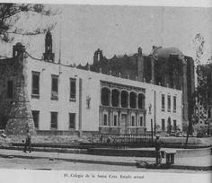 Colegio de la Santa Cruz en Tlateloco, Exconvento de Santiago. Imagen que muestra casi finalizada la obra de empotrar la fachada del Tecpan. ca. 1965