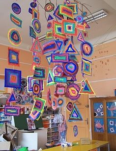 Shape mobile - patterns and shape each student create a string of patterned shapes to add to a group mobile hanging above their table group.Would be good for primary Tie in with Kandinsky?Shape Mobile, art for kids. Please also visit www. for colorful ins Club D'art, Art Club, Kindergarten Art, Preschool Art, Classe D'art, Kandinsky Art, Kandinsky For Kids, Ecole Art, Shape Art