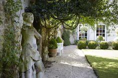 Garden Visit: A Modern Garden for a Gothic Estate in the Cotswolds - Gardenista