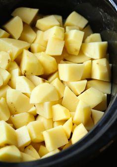Cooking Mashed Potatoes, Make Ahead Mashed Potatoes, Homemade Mashed Potatoes, Crock Pot Potatoes, How To Cook Potatoes, Easy Potato Recipes, Mashed Potato Recipes, Potato Dishes, Crockpot Recipes