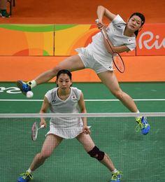 松友の3点、高橋の2点 自分たち信じた5連続得点 #リオ五輪 #バドミントン Sport Man, Sport Girl, Women's Badminton, Tennis Players Female, Olympic Sports, Knee Injury, Muscle Girls, Female Poses, Athletic Women