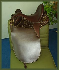 Treeless Australian Stock Saddle. Would be great for starting greenies