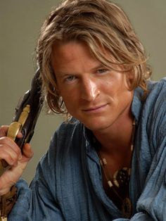 A better pic of Philip Winchester as Jamie Fraser-Well, if it can't be Gerry Butler, then I guess he will do...:D