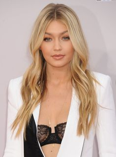 Gigi Hadid at the 2014 American Music Awards. http://beautyeditor.ca/2014/11/26/american-music-awards-2014