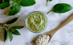 Hjemmelaget ansiktsmaske med økologiske urter –