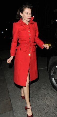 Il cappotto rosso di Anna Friel