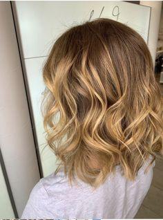 Highlights with a warm blonde tone Balayage Hair, Blonde Hair, Highlights, Hair Cuts, Long Hair Styles, Beauty, Hair, Shaving Machine, Barber Salon
