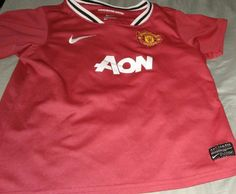 man united aon shirt