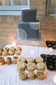 Gray and white cake (and cookies): http://www.stylemepretty.com/texas-weddings/new-braunfels/2015/04/17/modern-texas-clubhouse-wedding/   Photography: Rachel Hall - http://www.rachaelhallphotography.com/