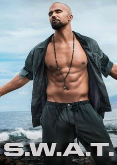 We think you might like these Pins Cute Black Guys, Gorgeous Black Men, Fine Black Men, Fine Men, Cute Guys, Beautiful Men, Shemar Moore Shirtless, Sherman Moore, Herren Outfit