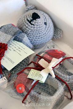 Teddy bear amigurumi, crochet booties and handmade package - Orsetto Teddy amigurumi, scarpette a uncinetto e scatola fatta a mano - besenseless.blogspot.com