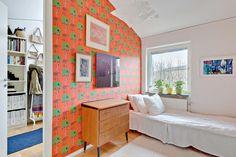 Casinha colorida: Uma casa escandinava Mid Century Modern