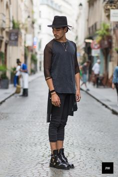 Willy Cartier in black!