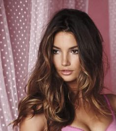 Trendy hair highlights for brunettes ombre lily aldridge Ideas Bright Hair Colors, Hair Color Blue, Ombre Hair, Balayage Hair, Lily Aldridge Hair, Brunette Highlights, Caramel Hair, Caramel Ombre, Gorgeous Hair