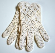 CROCHET LACE GLOVES/Wedding Gloves/ Victorian gloves/ classic/Romantic wedding/ Rustic Wedding