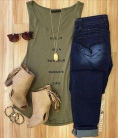 grünes Top+besche Stiefel