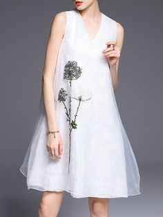 Shop White V Neck Flowers Embroidered Organza Dress online. SheIn offers White V Neck Flowers Embroidered Organza Dress & more to fit your fashionable needs.