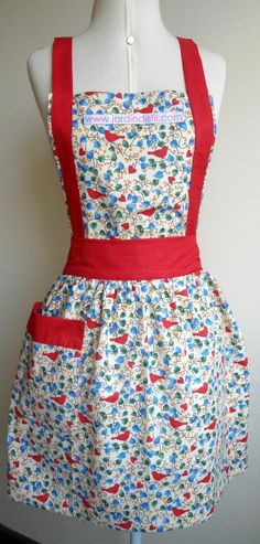 Retro Apron, Aprons Vintage, Types Of Dresses, Cute Dresses, Homemade Aprons, Flirty Aprons, Apron Tutorial, Childrens Aprons, Gardening Apron