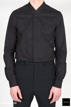 P 09 BLACK Cotton Buttons Corozo Rick Owens - Walrus - Made in Italy Model is wearing size He is chest 96 Rick Owens, Model, How To Wear, Cotton, Jackets, Shirts, Shopping, Collection, Black