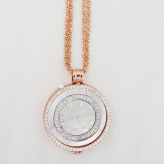 This My Imenso treasure is a must-have statement piece this summer. Medallions can be laser engraved or customised for a loved one.