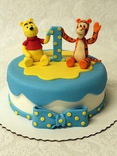 Winnie the pooh and Tigger  Cake by Neva