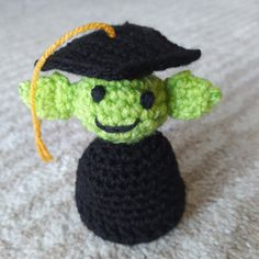 Baby Yoda with a PhD Hat – Nice crocheting! Crochet Hooks, Free Crochet, Stitch Markers, Slip Stitch, Single Crochet, Crocheting, Crochet Patterns, Weaving, Nice