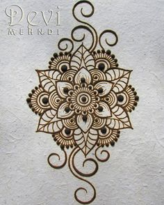 I wish you all a nice week! It's monday! So let's do it! This is dried henna paste on recycled paper. I drew my favorite mandala flower with some swirls. Simple and cute.