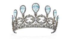 Christie's Great news, tiara lovers! The grand aquamarine and diamond Fabergé tiara that belonged to Grand Duchess Alexandra of Meckle. Russian Jewelry, Royal Jewelry, Jewelry Art, Antique Jewelry, Jewellery, Diamond Tiara, Rose Cut Diamond, Princesa Alexandra, Crowns