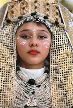 Let's bring back face painting: Africa | Fez. Wedding, the bride  | © Bruno Barbey.