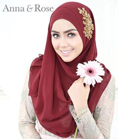 Instant shawl ni buat hati tak keruan laa  jangan lupa follow @annaandrose.co untuk latest info okey.  . New instant shawl from @annaandrose.co in dark brown and gold lace. Sarung je dan boleh terus melangkah ke office dengan bergayanya.  haaa melting tak uolls?  #wedding #malaywedding #bridesmaid #lovely #shawl #bride #enggagement #solemnization #sweet #hijabi #fashion #lace #event #life #hijabista #tunang #beadedshawl #beautiful #inspiration #inspired #model #comingsoon Muslim Wedding Dresses, Wedding Hijab, Hijab Style Tutorial, Anna Rose, Hijab Fashion, Veil, Instagram Posts, Pretty, Islam