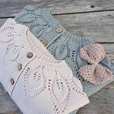 Robalmar the drop-leaf-pink vest Baby Cardigan Knitting Pattern, Knitted Baby Cardigan, Knit Baby Sweaters, Romper Pattern, Baby Knitting Patterns, Baby Patterns, Diy Crafts Knitting, Knitting For Kids, Crochet For Kids
