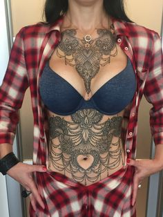 Super 16 tattoo models that will show you so cool Tattoed Women, Tattoed Girls, Inked Girls, Hot Tattoos, Body Art Tattoos, Girl Tattoos, Tatoos, Stomach Tattoos Women, Tattoos For Women