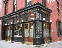 PJ Clarkes Bar, New York, great burgers and cool bar