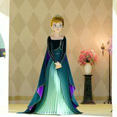 Disney Princess Fashion, Disney Princess Frozen, Disney Princess Pictures, Princess Anna, Anna Frozen, Frozen Pictures, Frozen Sisters, Queen Elsa, Elsa Anna