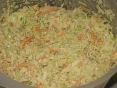 A népszerű majonézes amerikai káposztasaláta (angolul coleslaw) házilag elkészíthető receptje képekkel. Grains, Rice, Food, Essen, Meals, Seeds, Yemek, Laughter, Jim Rice