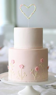 Delicate Pastel Pink Wedding Cake with Dainty Little Flowers Leckere pinke Hochzeitstorte in pastell Gorgeous Cakes, Pretty Cakes, Cute Cakes, Amazing Cakes, Fondant Cakes, Cupcake Cakes, Fondant Tips, Dessert Oreo, Naked Cakes