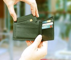 ChargeCard: Slimmest Phone Charger That Fits Right In Your Wallet