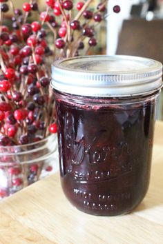 Make the perfect homemade cranberry sauce for Thanksgiving this year! This easy cranberry sauce recipe for whole berry cranberry sauce can be made as a small batch, or in bulk for home canned cranberry sauce! Cranberry Sauce With Port, Cranberry Jelly Recipes, Canned Cranberry Sauce, Wine Jelly, Jam And Jelly, Canned Cranberries, Home Canning Recipes, Sauce Recipes, Drink Recipes