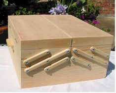 Складной ящик из дерева