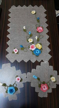 Needle Lace, Needle And Thread, Plastic Canvas Stitches, Doilies, Table Runners, Needlework, Embroidery, Holiday Decor, Crochet